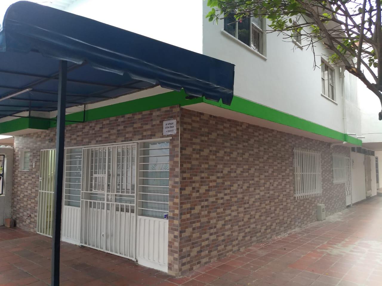 En venta casa en Cuidad Jardín, Cúcuta