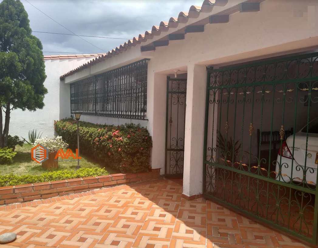 Se vende Casa en Cúcuta ubicada en Quinta Bosh